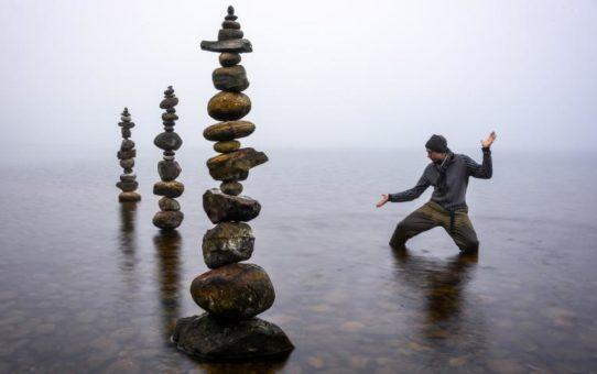 A gravitáció határát feszegető alkotások - zen kő-művészet