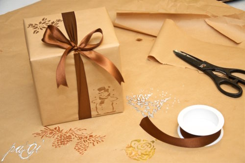 Egyedi karácsonyi csomagolópapír